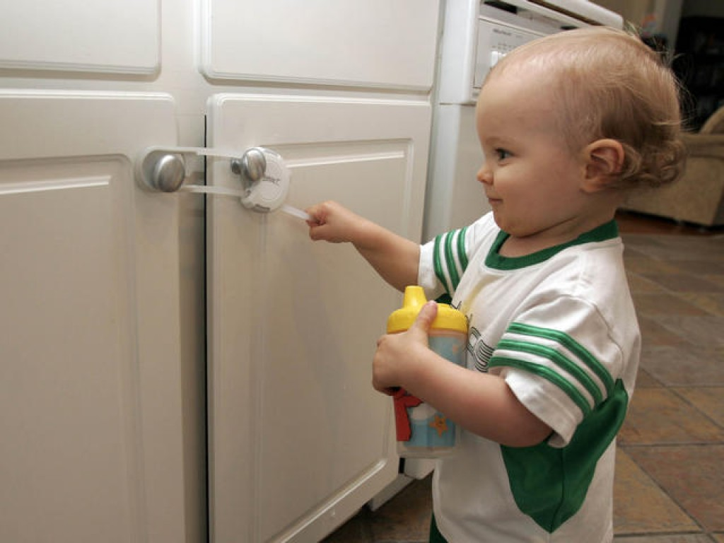 10 Tips To Baby Proof Your Home Don T Skip 1